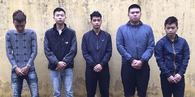 Khởi tố vụ án bác sĩ trẻ bị nhóm thanh niên đánh gãy sống mũi - Ảnh 1