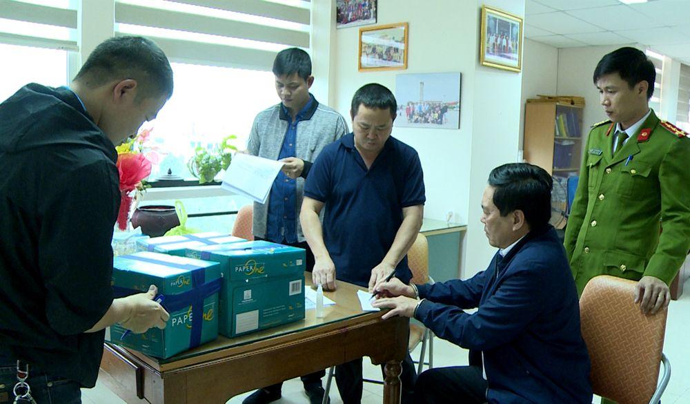 Vụ bắt quả tang trưởng phòng Cục Thuế tỉnh Thanh Hóa nhận 100 triệu đồng: Nữ doanh nhân được trả lại tiền? - Ảnh 1