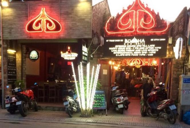 Cận cảnh quán bar Buddha gây tranh cãi vì sử dụng hình ảnh Phật giáo - Ảnh 4