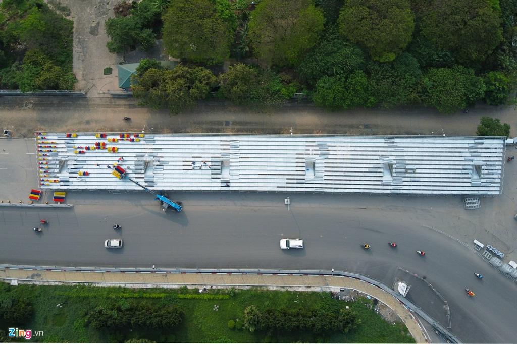 Cận cảnh tháo dỡ khán đài F1 Hà Nội vì tạm hoãn đua xe, phòng dịch Covid-19 - Ảnh 6