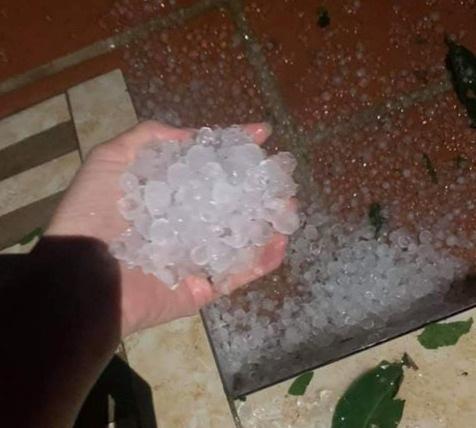 Ảnh hưởng không khí lạnh, đêm nay Hà Nội có thể có mưa đá - Ảnh 1