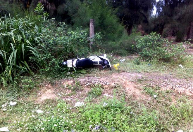 Nam phượt thủ tử vong sau khi tông gãy 2 cọc tiêu quốc lộ - Ảnh 1