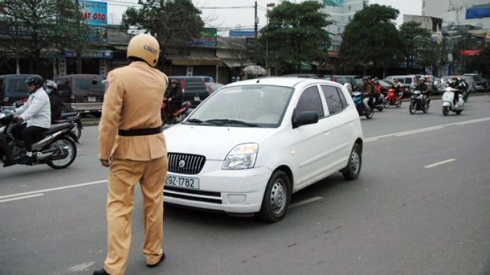 Từ năm 2020, tài xế ô tô bị tước giấy phép lái xe khi vi phạm lỗi gì? - Ảnh 1