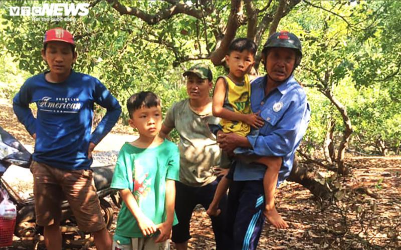 Hai bé trai sinh đôi 7 tuổi ở Bình Phước trở về nhà, tiết lộ lý do biến mất - Ảnh 1