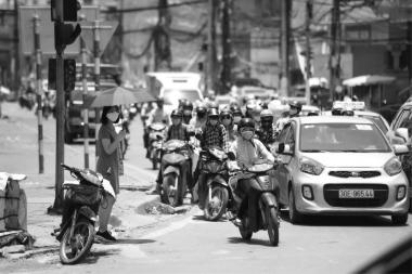 Kiểm tra định kỳ khí thải hơn 45 triệu xe máy: Khó vẫn phải làm - Ảnh 1