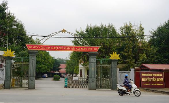 Đang nợ 52 tỷ vẫn xin xây tượng đài 20 tỷ đồng: Phó Chủ tịch huyện Yên Định nói gì? - Ảnh 1