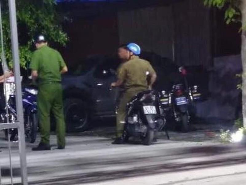 Vụ trung úy công an nổ súng trong quán nhậu, 1 người bị thương: Đình chỉ công tác trung úy - Ảnh 1