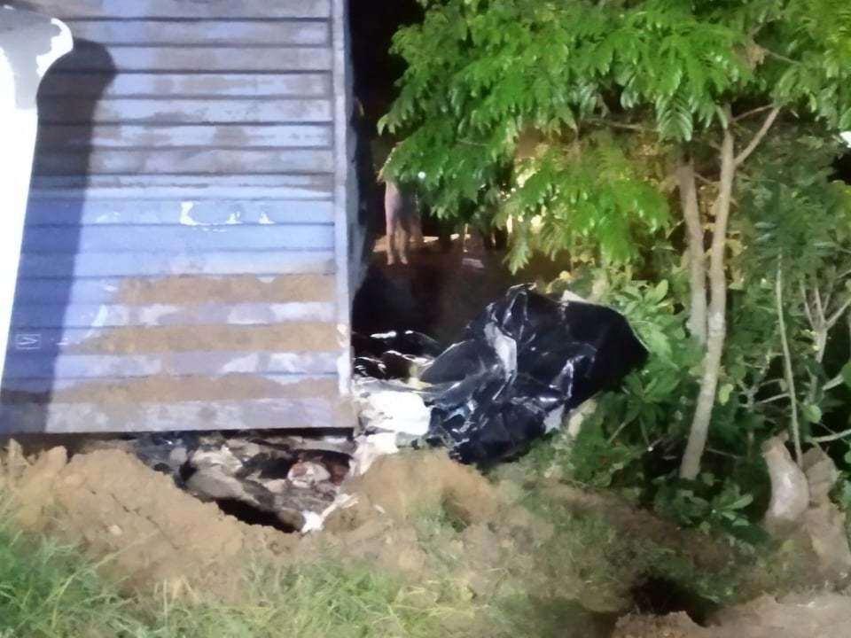 Vụ container đè bẹp xe limousine, 3 người tử vong: Hé lộ nguyên nhân - Ảnh 1