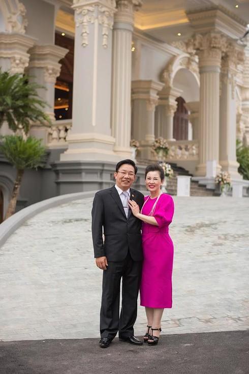 """Choáng ngợp với tòa """"lâu đài"""" 7 tầng, rộng 3 ha của """"đại gia sân golf"""" ở Nam Định - Ảnh 1"""