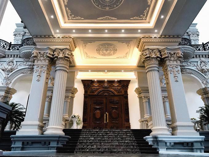 """Choáng ngợp với tòa """"lâu đài"""" 7 tầng, rộng 3 ha của """"đại gia sân golf"""" ở Nam Định - Ảnh 8"""