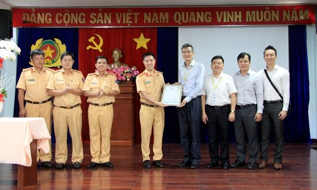 """CSGT """"hộ tống"""", đưa gan người hiến từ sân bay Tân Sơn Nhất đến bệnh viện - Ảnh 2"""