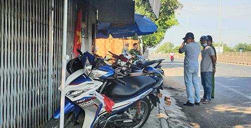 Vụ nữ chủ quán cà phê võng bị hành hung lúc rạng sáng: Camera hé lộ chân dung nghi phạm - Ảnh 1