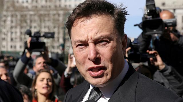 """Tỷ phú Elon Musk  """"bơi"""" trong đống nợ ngập ngụa như thế nào?  - Ảnh 1"""