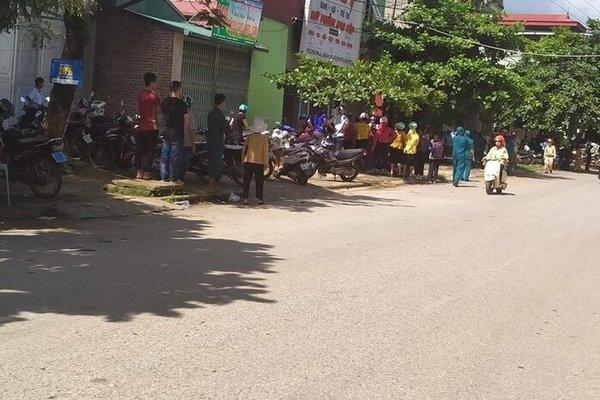 Trọng án 3 người chết ở Điện Biên: Camera tiết lộ hình ảnh sốc diễn ra trước cửa nhà - Ảnh 1
