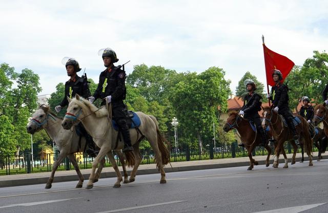 Chùm ảnh bộ Công an ra mắt lực lượng Cảnh sát cơ động Kỵ binh - Ảnh 6