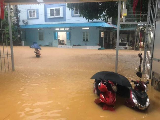 Xót lòng cảnh mưa lũ, sạt lở đất kinh hoàng ở Hà Giang, 2 mẹ con tử vong - Ảnh 5