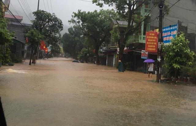 Xót lòng cảnh mưa lũ, sạt lở đất kinh hoàng ở Hà Giang, 2 mẹ con tử vong - Ảnh 7