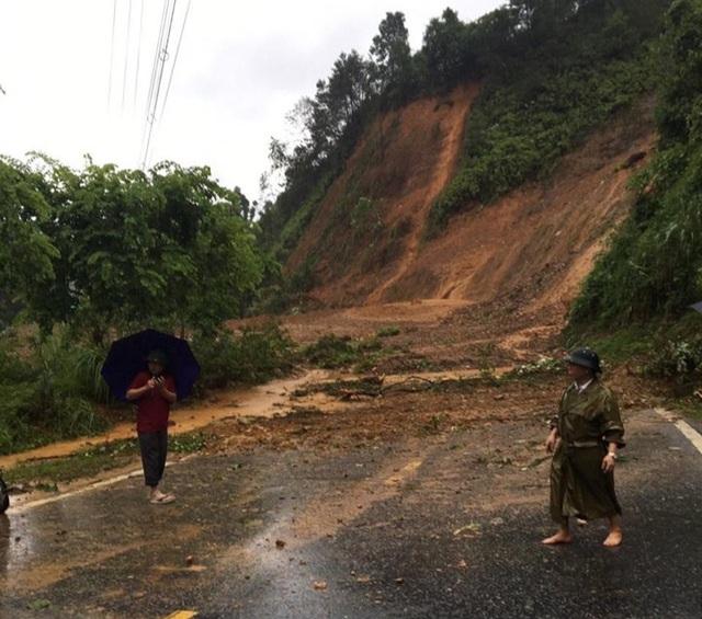 Xót lòng cảnh mưa lũ, sạt lở đất kinh hoàng ở Hà Giang, 2 mẹ con tử vong - Ảnh 9