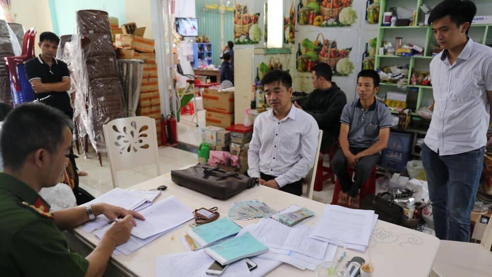 """Vụ cán bộ Chi cục Thuế ở Đắk Nông bị bắt: Hé lộ thủ đoạn """"vòi tiền"""" doanh nghiệp - Ảnh 1"""