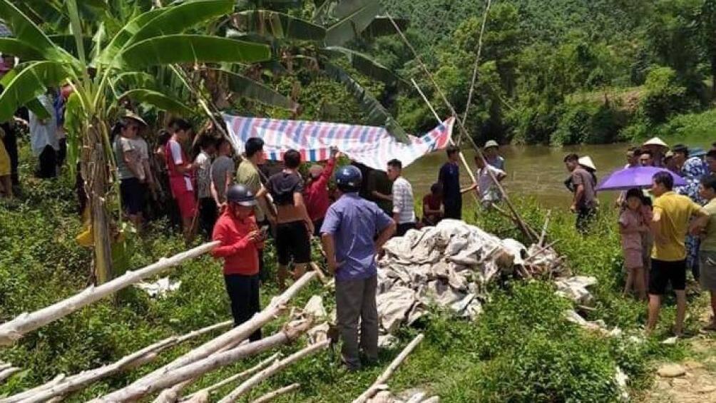 Phát hiện 3 thi thể nữ sinh dưới suối sau 1 ngày mất tích ở Yên Bái - Ảnh 1