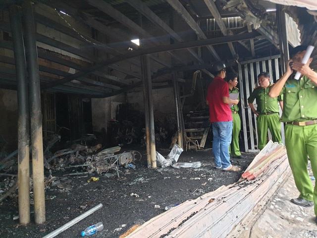 Vụ cháy tiệm cầm đồ, 3 người chết ở Bình Dương: Đôi tình nhân vừa chụp ảnh cưới  - Ảnh 2