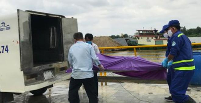 Vụ thi thể tài xế xe ôm trên sông Sài Gòn: Mảnh giấy trong túi quần nạn nhân tiết lộ nội dung gì? - Ảnh 1