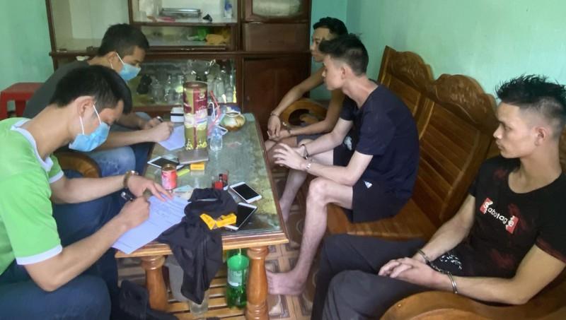 """Vụ triệt phá """"boong ke"""" buôn ma túy ở Thanh Hóa: """"Ông trùm"""" sử dụng cả bồ trẻ đang mang thai để cảnh giới - Ảnh 1"""
