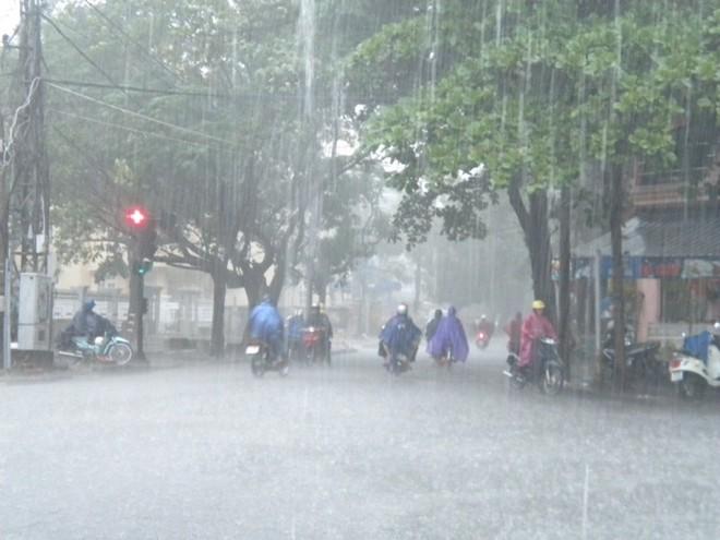 Tin tức dự báo thời tiết mới nhất hôm nay 17/8: Hà Nội mưa rất to - Ảnh 1