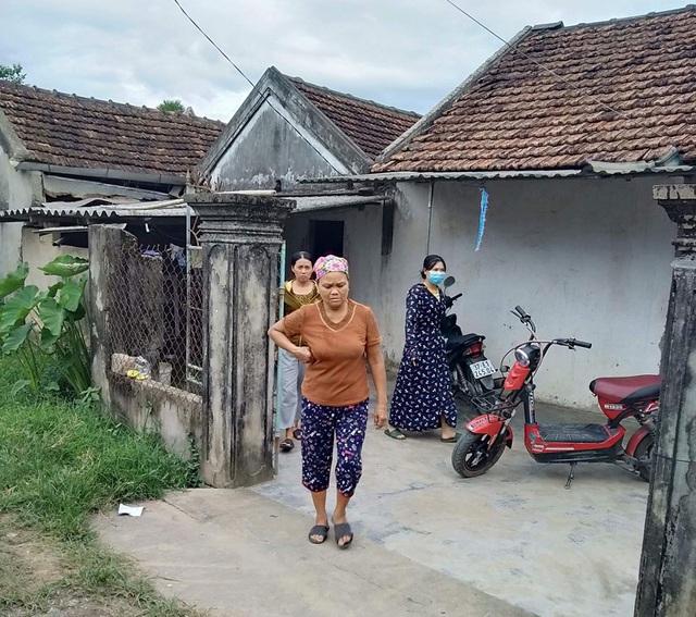 Vụ dựng lều ăn ngủ trước nhà nguyên phó công an huyện để đòi gần 700 triệu: Xuất hiện tình tiết bất ngờ - Ảnh 1