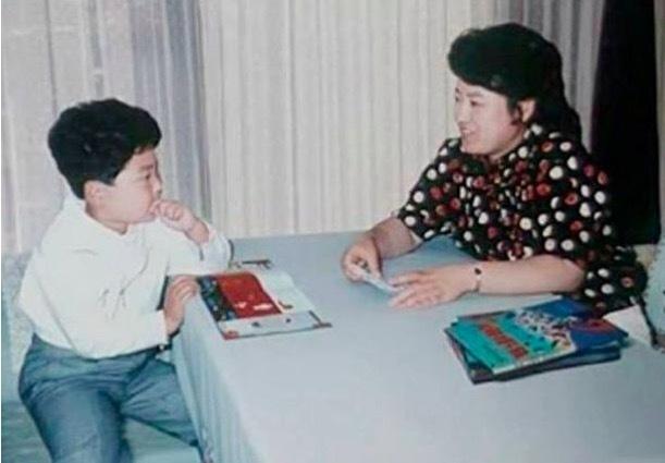 Những hình ảnh hiếm về Chủ tịch Triều Tiên Kim Jong-un khi con nhỏ - Ảnh 1