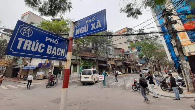 Ông Nguyễn Đức Chung và dấu ấn trong phòng chống COVID-19 - Ảnh 2