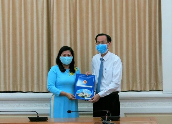 Bà Nguyễn Thị Hồng Thắm được bổ nhiệm làm Phó Giám đốc sở Nội vụ TP.HCM - Ảnh 1