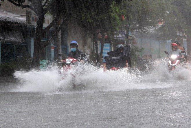 Tin tức dự báo thời tiết mới nhất hôm nay 4/8: Bắc Bộ mưa lớn, nhiều nơi dông, lốc - Ảnh 1