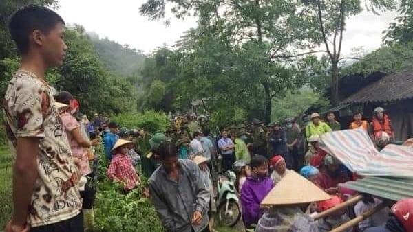Ngủ trong lán trông gia súc, 2 vợ chồng ở Lào Cai bị núi lở đè tử vong - Ảnh 2