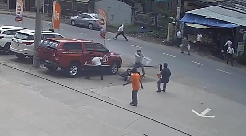 Vụ 2 tên cướp giật dây chuyền, cướp xe ở Bình Chánh: Vì sao nạn nhân không trình báo? - Ảnh 1