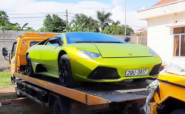 """Vì sao 2 """"siêu xe"""" Lamborghini, Merceders bị tạm giữ ở Quảng Bình? - Ảnh 1"""