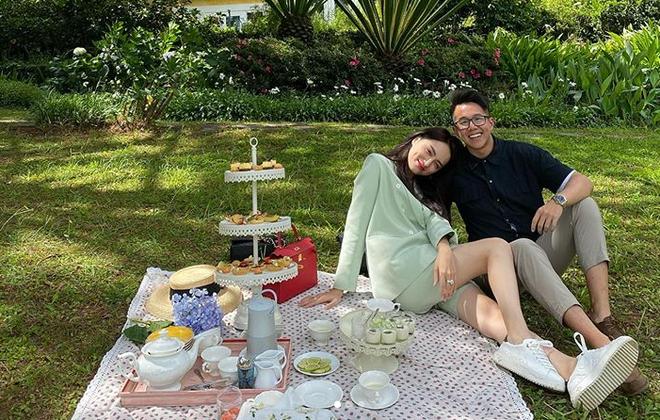 Loạt ảnh tình tứ của Hoa hậu Hương Giang với Matt Liu-CEO giàu có người Singapore - Ảnh 3