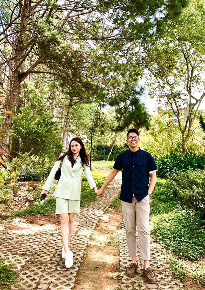 Loạt ảnh tình tứ của Hoa hậu Hương Giang với Matt Liu-CEO giàu có người Singapore - Ảnh 4