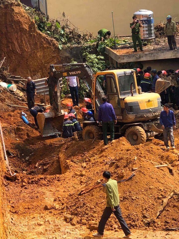 Vụ sập công trình ở Phú Thọ, nhiều người thương vong: Tìm thấy 4 thi thể - Ảnh 1