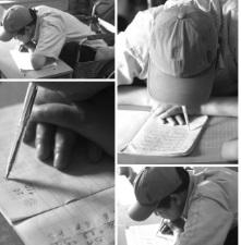 Chuyện về người thầy khuyết tật viết chữ bằng miệng, dạy học miễn phí cho trẻ em nghèo - Ảnh 2