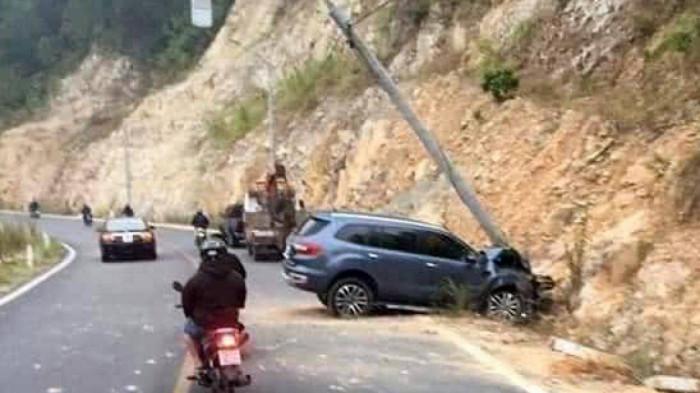 Tai nạn giao thông ngày 16/1: Tài xế lái ô tô say xỉn kéo lê xe máy tóe lửa trên đường - Ảnh 2