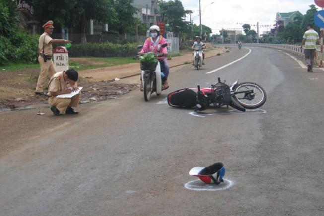 Một trưởng Công an xã ở Cà Mau tử vong do tai nạn giao thông - Ảnh 1