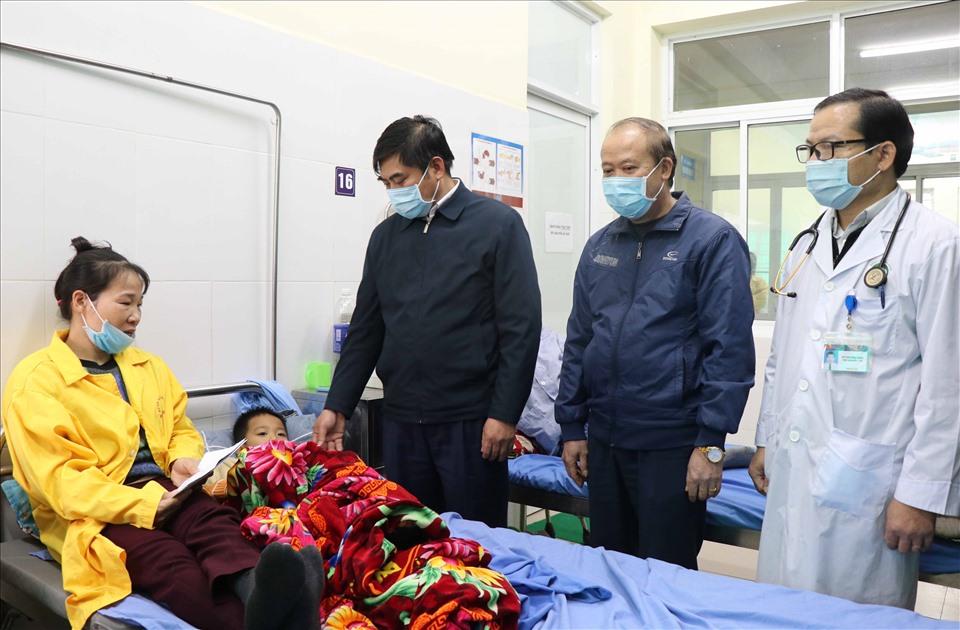 Máy ép cọc đổ đè chết 2 cháu nhỏ 8 tuổi ở Bắc Ninh - Ảnh 2