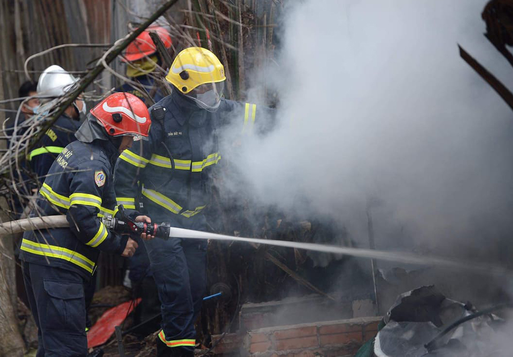 Vụ cháy lớn tại bãi gửi xe ô tô ở Hà Nội: Nhân chứng tiết lộ gì? - Ảnh 2