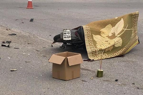 Hiện trường vụ tai nạn khiến thanh niên tử vong tại chỗ giữa ngã tư ở Tam Đảo - Ảnh 3