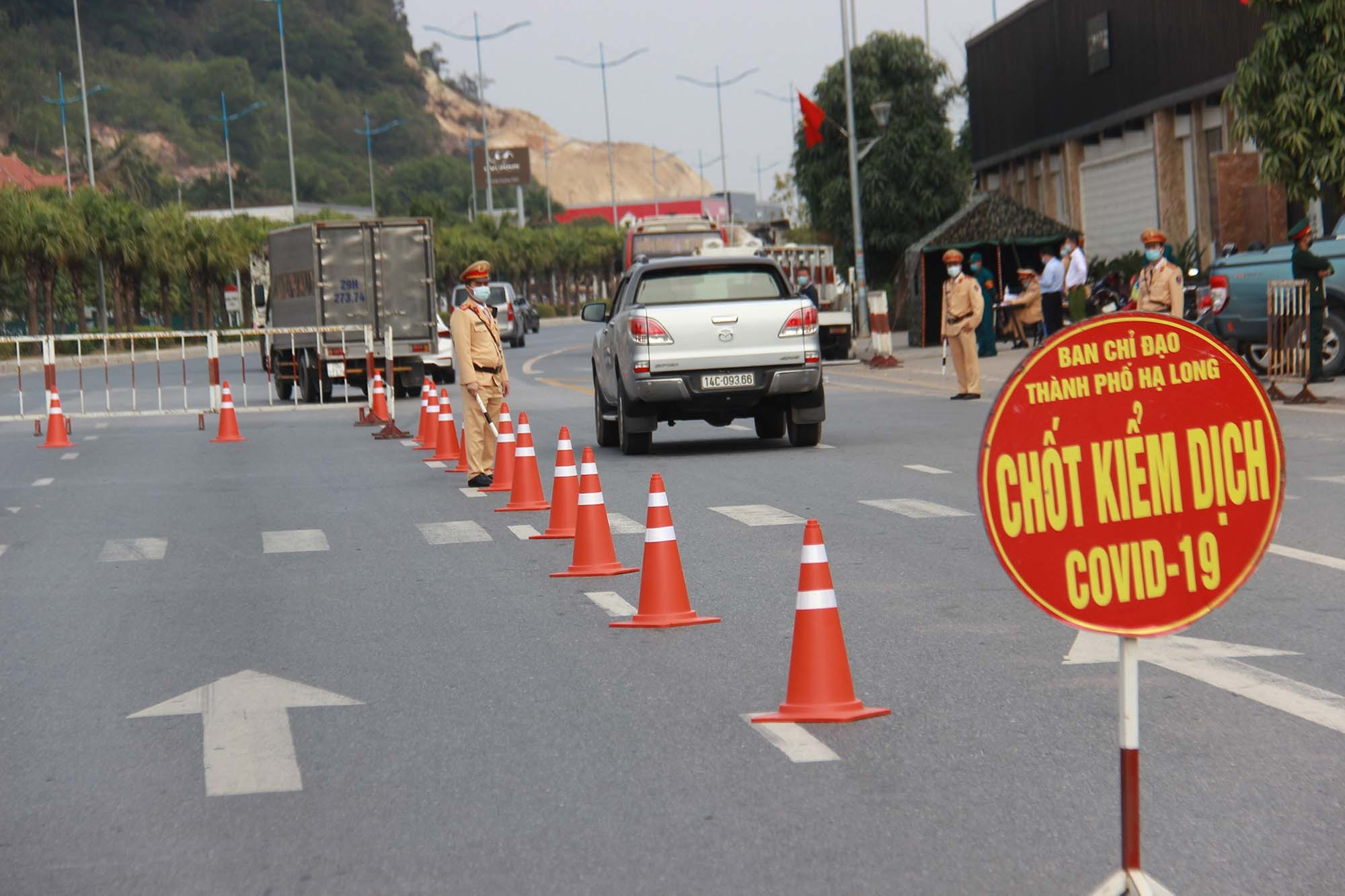 Từ 11/3, Quảng Ninh cho nhiều tuyến xe khách liên tỉnh hoạt động - Ảnh 1