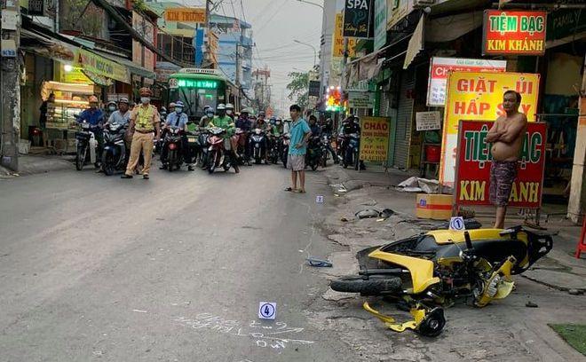 Vụ ô tô gây tai nạn chết người rồi bỏ chạy ở TP.HCM: Hình ảnh camera tiết lộ sốc - Ảnh 1