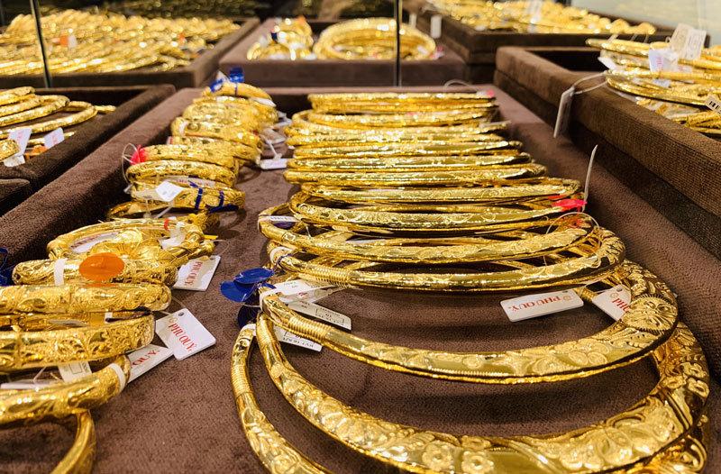 Giá vàng hôm nay 20/3: Giá vàng SJC tăng 200.000 đồng/lượng vào phiên cuối tuần - Ảnh 1