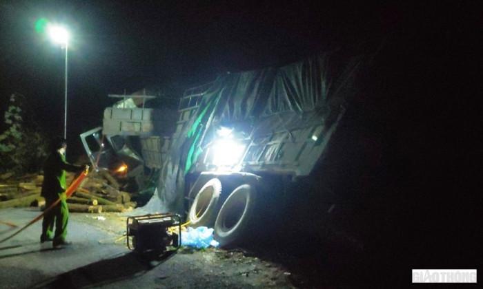 Hé lộ hiện trường vụ tai nạn thảm khốc ở Thanh Hóa, 7 người tử vong - Ảnh 1