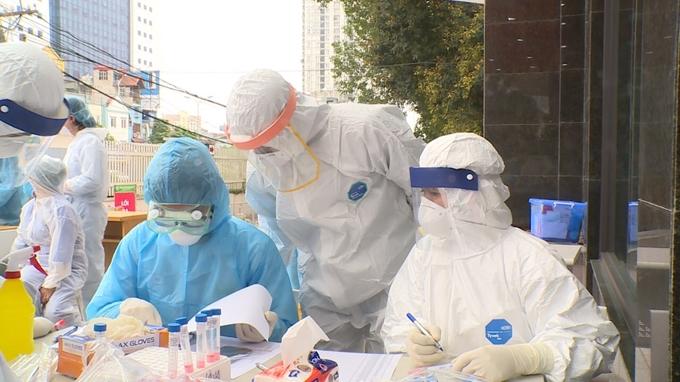 Kết quả xét nghiệm của 89 người cùng chuyến bay từ Phú Quốc- Hà Nội với 2 cô gái mắc COVID-19 - Ảnh 1